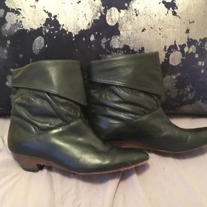 FRYE Ankle Boots ~ black (pic does no justice!)